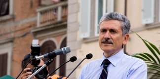 Massimo D'Alema, attualmente sicuramente segretario o presidente di qualcosa