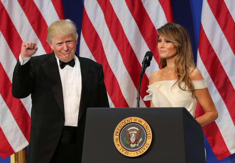 """8 Marzo, Trump twitta: """"Ho molto rispetto per le donne, o come accidenti si chiamano, e per il loro pensiero, purché rimanga tale"""""""