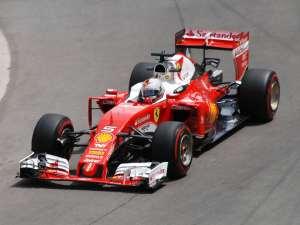 Vettel a bordo della sua Ferrari chiaramente ferma, nel 2016