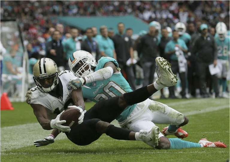 NFL a Londra: partita di Football Americano degenera in programma politico di un movimento di estrema destra